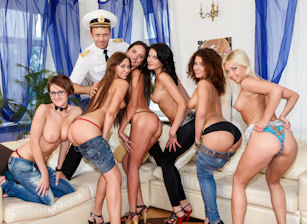 Rocco's World, Escena 1