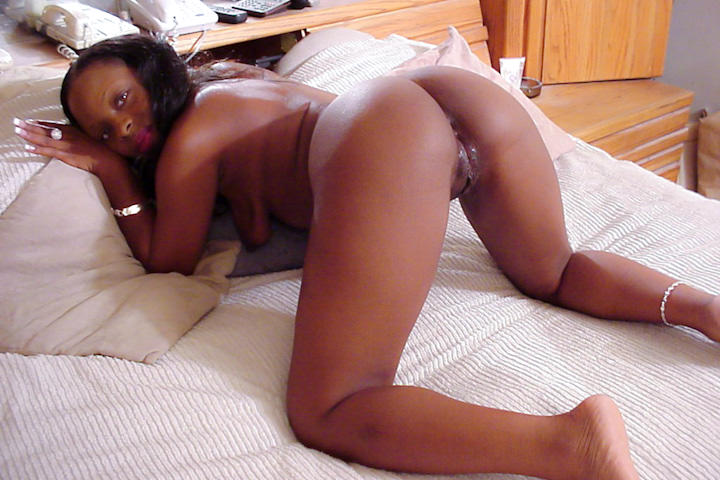 Black babe needs money so she decided to fuck a millionaire