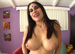 Hot Indian POV, Escena 1