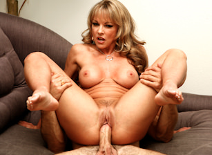 MILF Worship #08, Scene #02