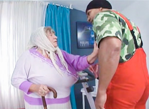 Grandma Loves Black Cock, Scène 4