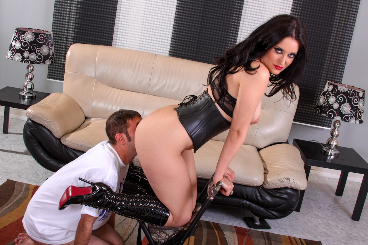 Dominatrix makes him lick her ass
