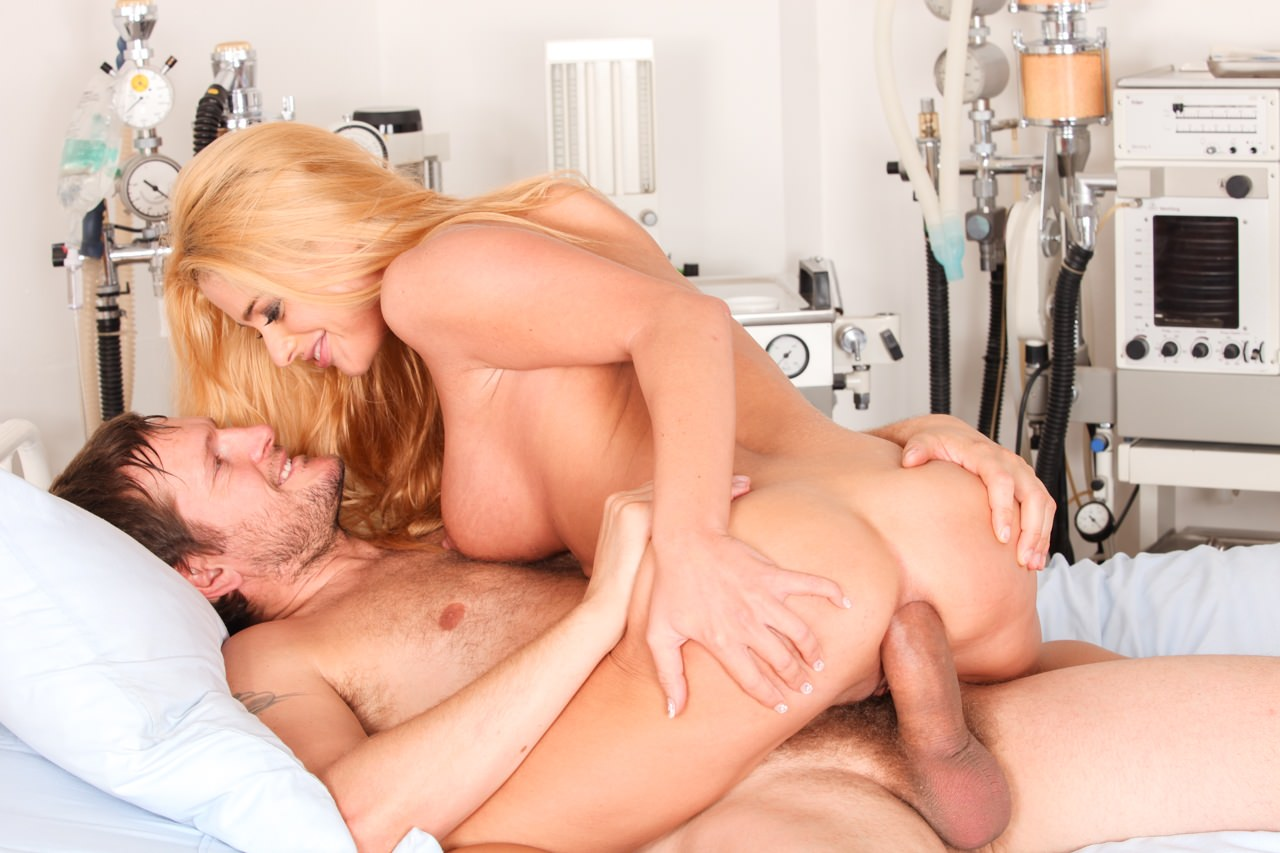 Screenshot 5 from the David Perry's Assfucked MILFs #2