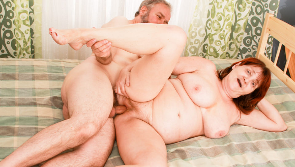 Older couple loves afternoon sex