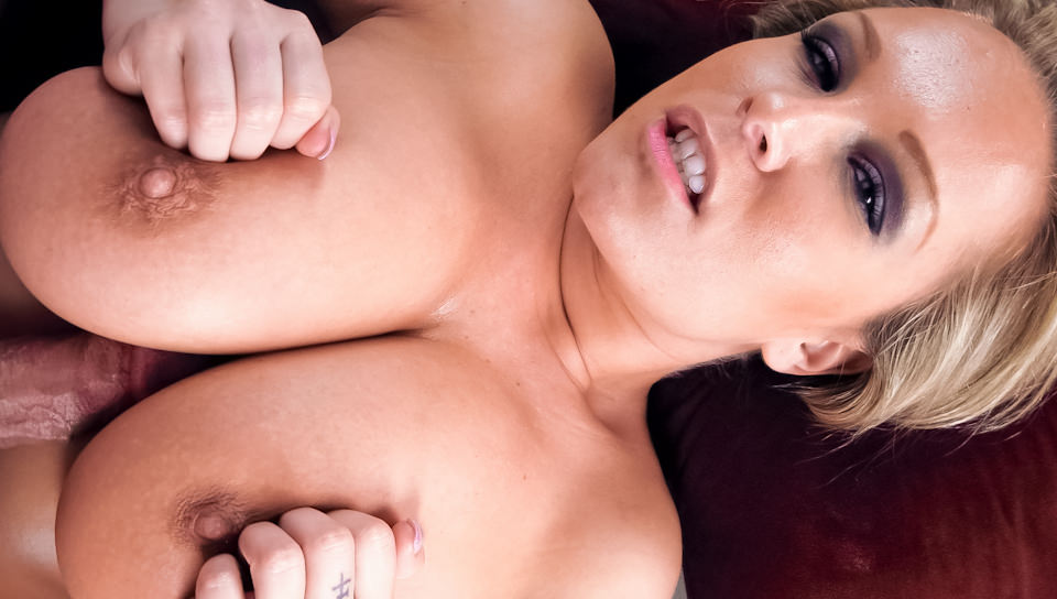 Jessica Moore teases with her big, all natural juicy boobs