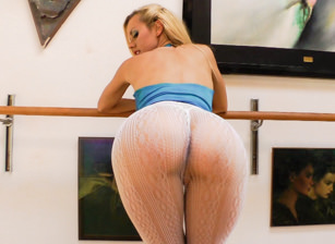 Tight Clothes And Ass #06, Escena 14