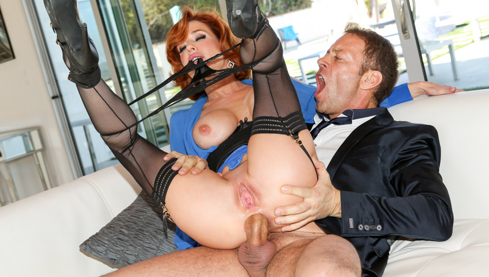 Hot ginger MILF pounded hard and squirts like crazy