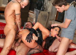 Rocco's Perfect Slaves #05, Escena 3