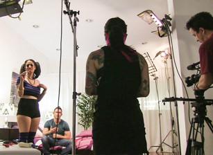 May Behind The Scenes, Scène 1