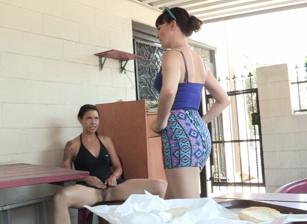 Lesbian Public Sex Fetish, Scène 1
