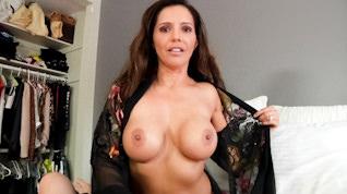Francesca Le Is A Hot Wife, Scene #06