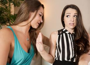 Lesbian Adventures - Strap On Specialists #07, Scène 2