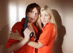 Prison Lesbians, Scène 4