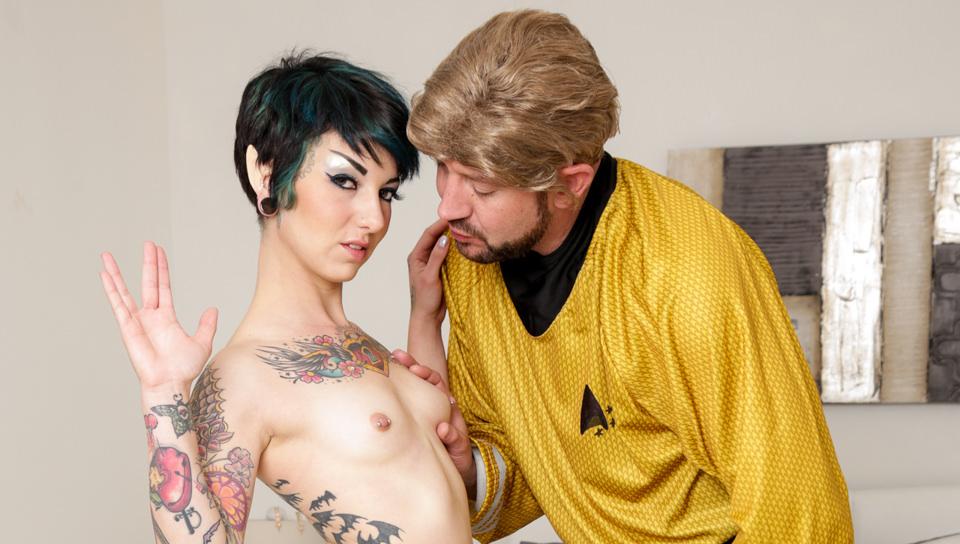 Trekkie Love, Scene #01