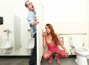Tranny Glory Hole Surprise #02