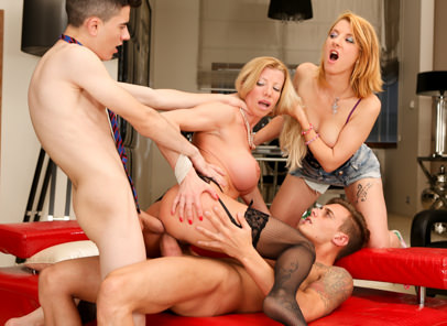 Teens vs milfs 03 lara de santis chris diamond jordi el nino polla leona green. Sexy, experienced Lara De Santis is tutoring her foreign language students: charming young blonde Leona Green and handsome boys Chris Diamond and Jordi El Nino Polla. When she catches the students giggling about her enormous tits, the busty MILF decides to take charge of class. Meanwhile, Leona starts sucks the guys' giant cocks; soon Lara is joining in for a multi-generational suckfest. The lads give their instructor a heavy fuck in every hole, double-penetrating Lara and ejaculating in her mouth!
