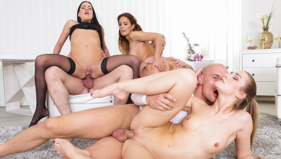 Three hot babes fuck at swinger party in HD
