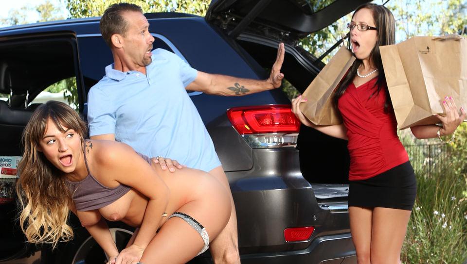I Caught My Daughter Fucking My Boyfriend, Scene #01