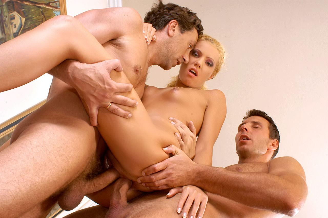 Фото мужщина занимается сэксом с мужщиной 5 фотография